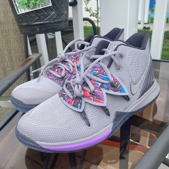 Graffiti Nike Kyrie 5 Basketball Shoes